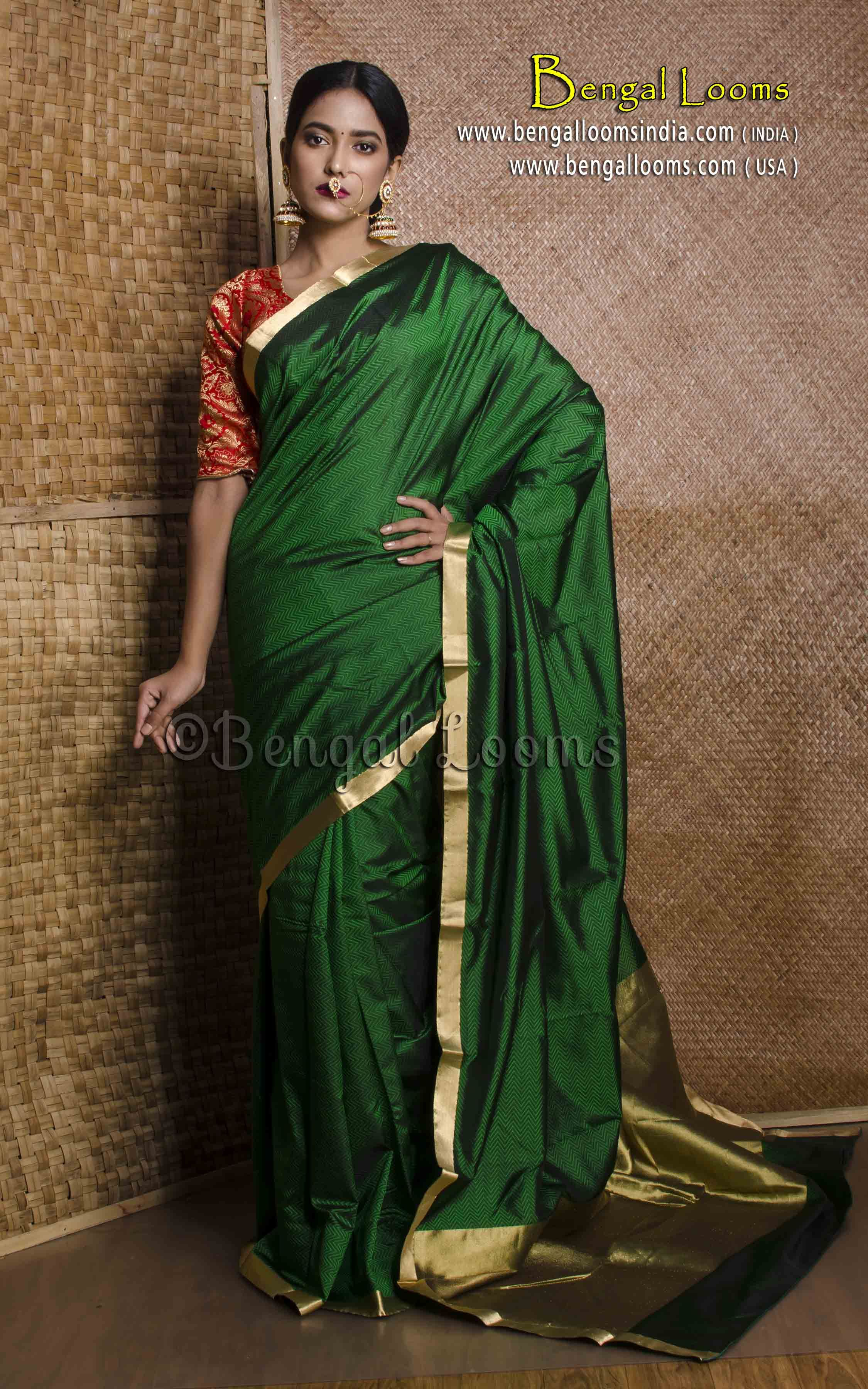 8bceb9641c587 Pure Handloom Kanchipuram Silk Saree in Bottle Green and Gold ...