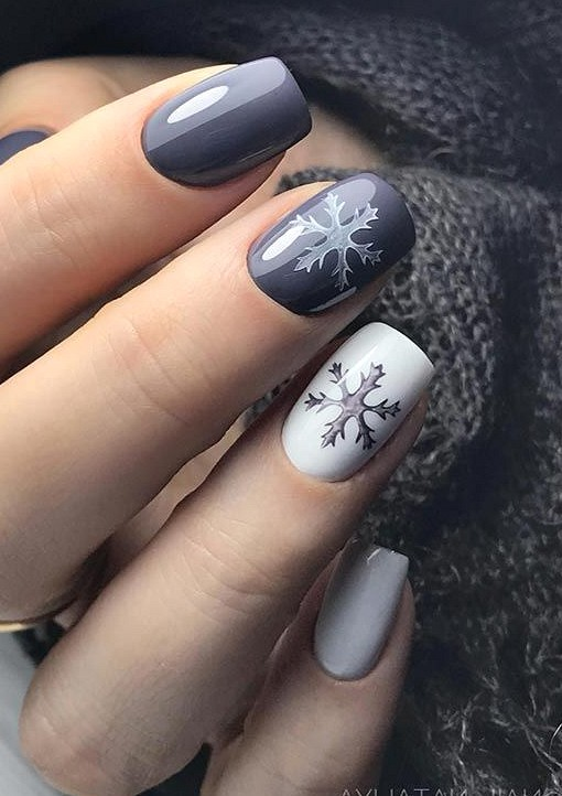 Christmas Nails 2020 Festive Christmas Nail Art Designs & Ideas for New Year 2020
