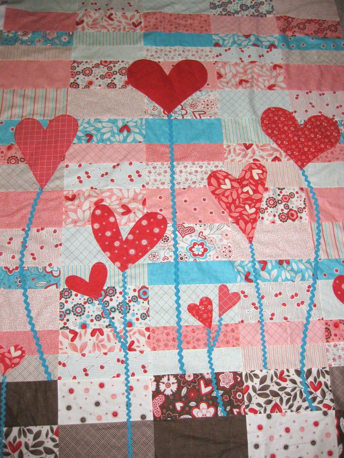 Heart Garden Quilt tutorial try black and white blocks with