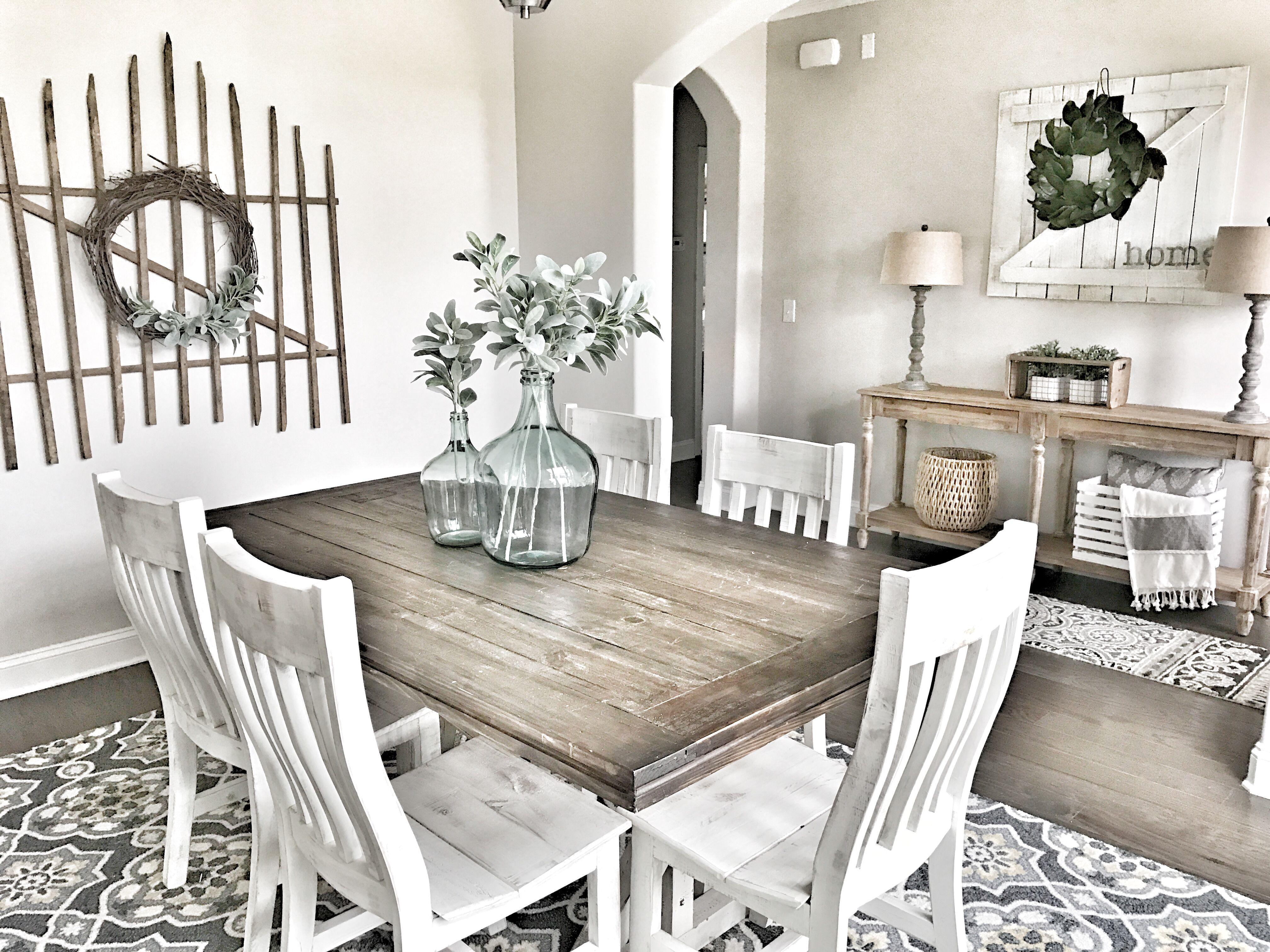 Farmhouse decor! Fixer Upper style Farmhouse dining room