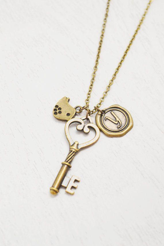Long key necklaceskeleton key pendantwedding jewelrybridesmaid long key necklaceskeleton key pendantwedding jewelrybridesmaid giftchristmaskey heart jewelrygraduationfreedom aloadofball Images