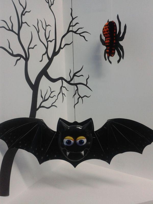 Halloween, época de Murciélagos, que mejor manera de decorar tu fiesta con los animales representativos de esta tradición. #DecoracionesHalloweenArmenia #Halloween2013