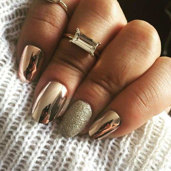 21 Trendy Metallic Nail Designs To Copy Right Now Stayglam Metallic Nails Design Chrome Nails Designs Pink Gold Nails