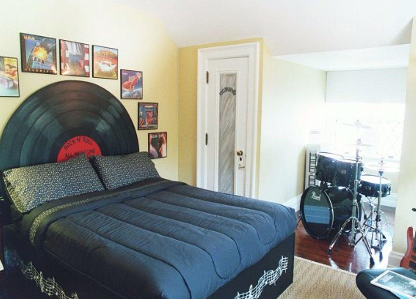 Decorating music theme bedrooms - Music Room Decor