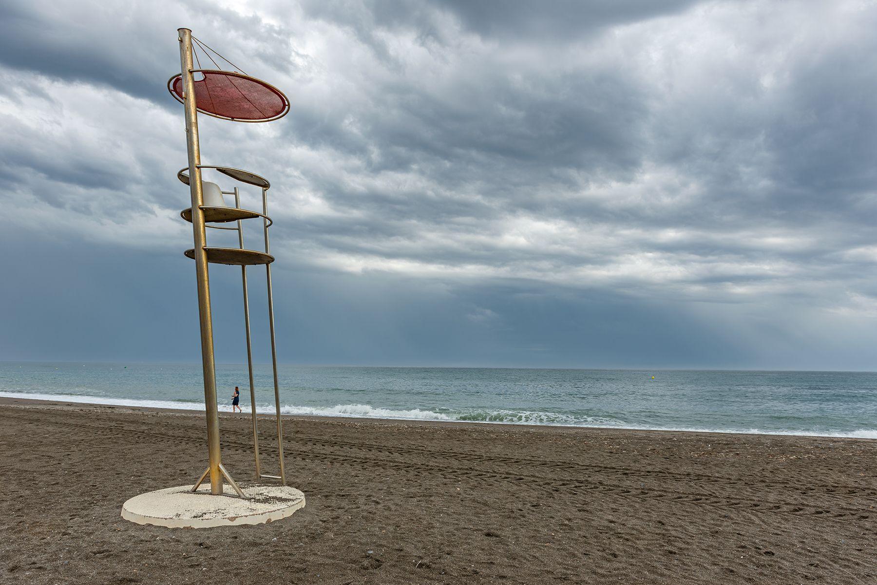 La silla del socorrista acuático