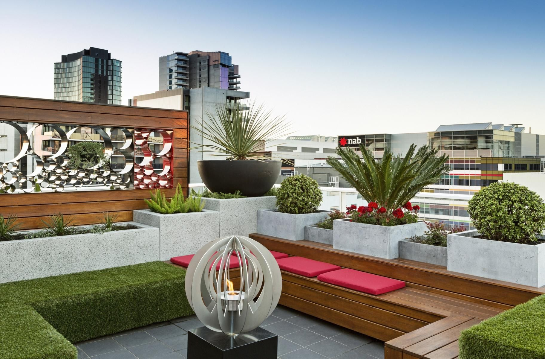 Rooftop garden docklands penthouse paal grant designs for Garden on rooftop designs