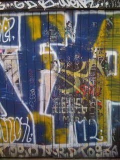 Galleri modern: Graffiti på porten i byen :-) Århus