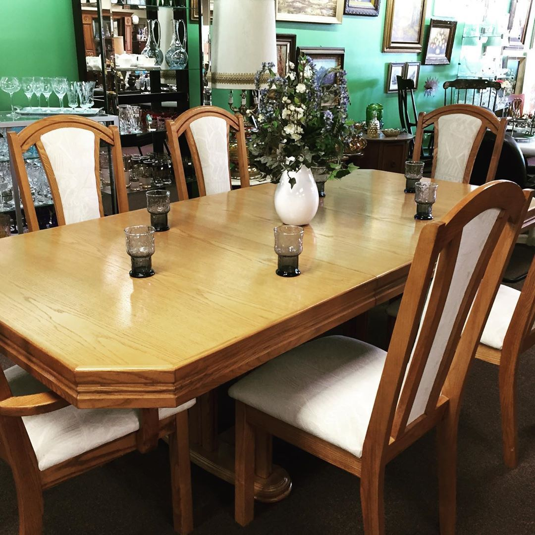 Just Showing Off What S New Diningtable Chairs Dresser Chinacabinet Antiques Vintage Goodbyes Wood Dining Table Dining Table Table