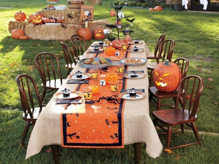 table décorée halloween Holidays  Events that I love Pinterest