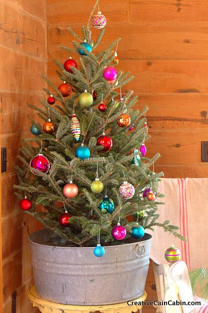 Christmas tree in a galvanized wash tub home decor for Christmas tin pails