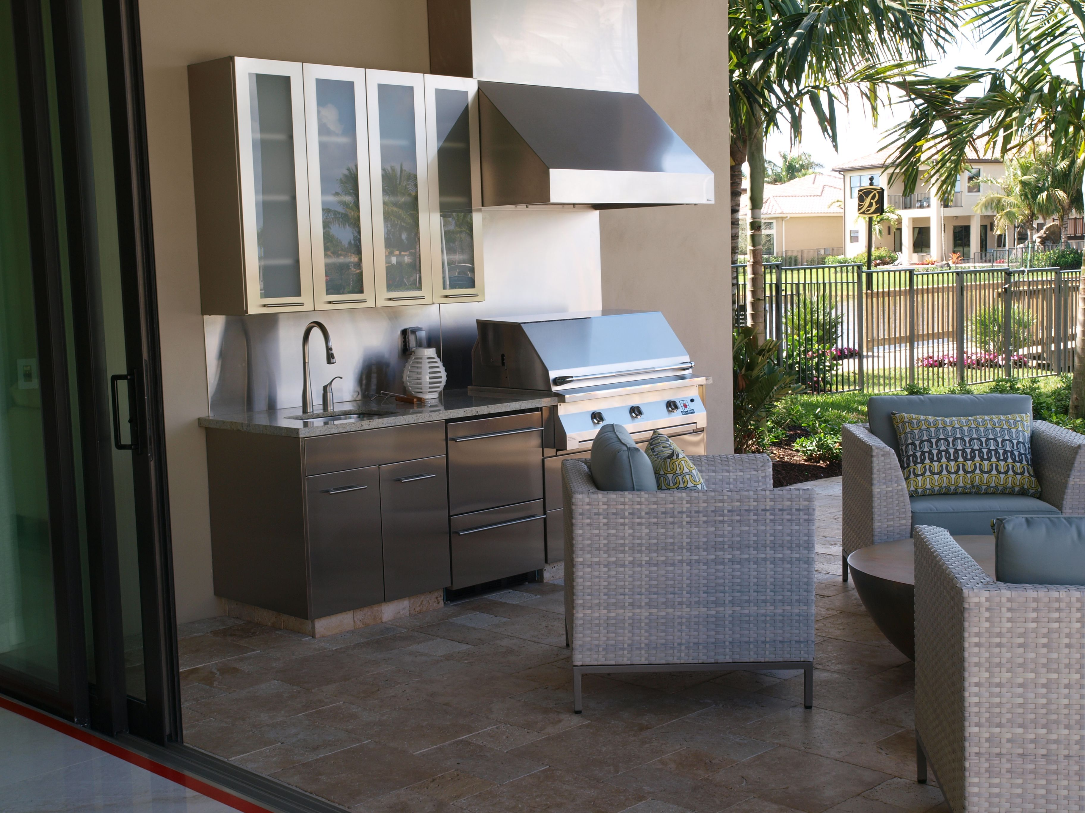 This Project Comes From Miami Florida And Features The Standard Hampton Door Style With The Clear Outdoor Kitchen Design Outdoor Kitchen Outdoor Living Space