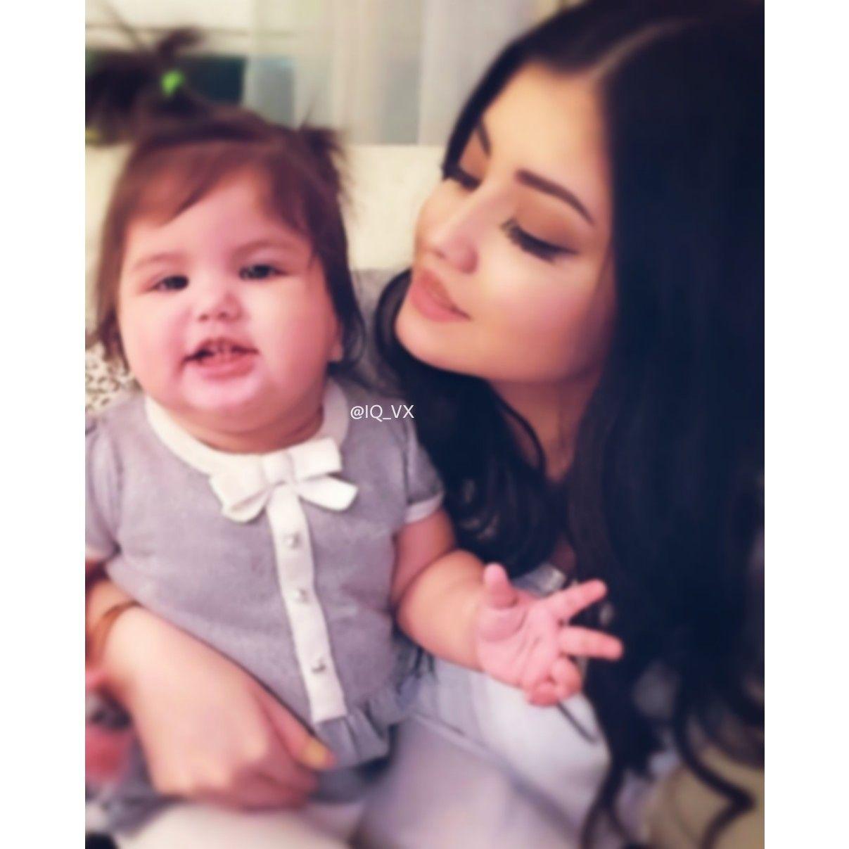 Pin By غــــزولــهۃ On صور اطفال Baby Girl Pictures Cute Baby Girl Pictures Cute Baby Girl