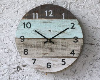 Round Clock. Reclaimed Wood wall clock. Pale sea foam Green. Pallet Wood. Beach House style...ReCycled wood...distressed...Coastal Decor