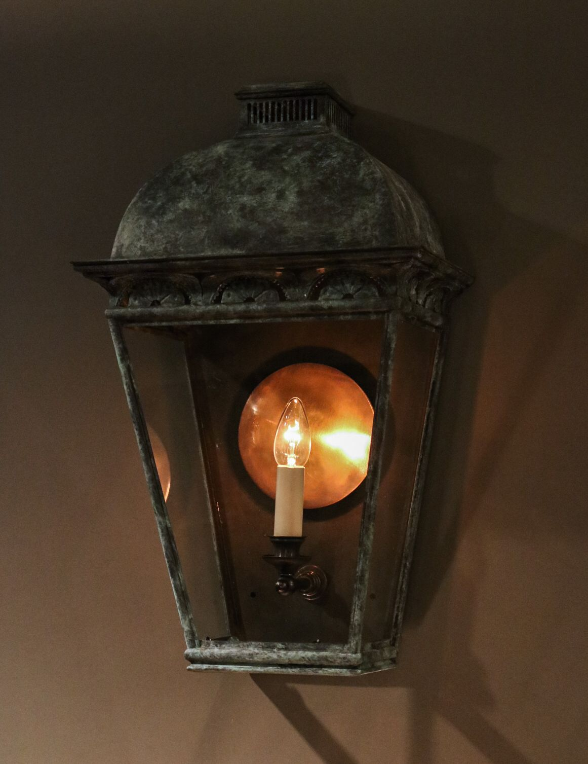 Our New Hallam Reproduction Wall Lantern Has Arrived Into Our Showroom Made To Complement The Hallam Hanging Lantern Wall Lights Wall Lantern Hanging Lanterns