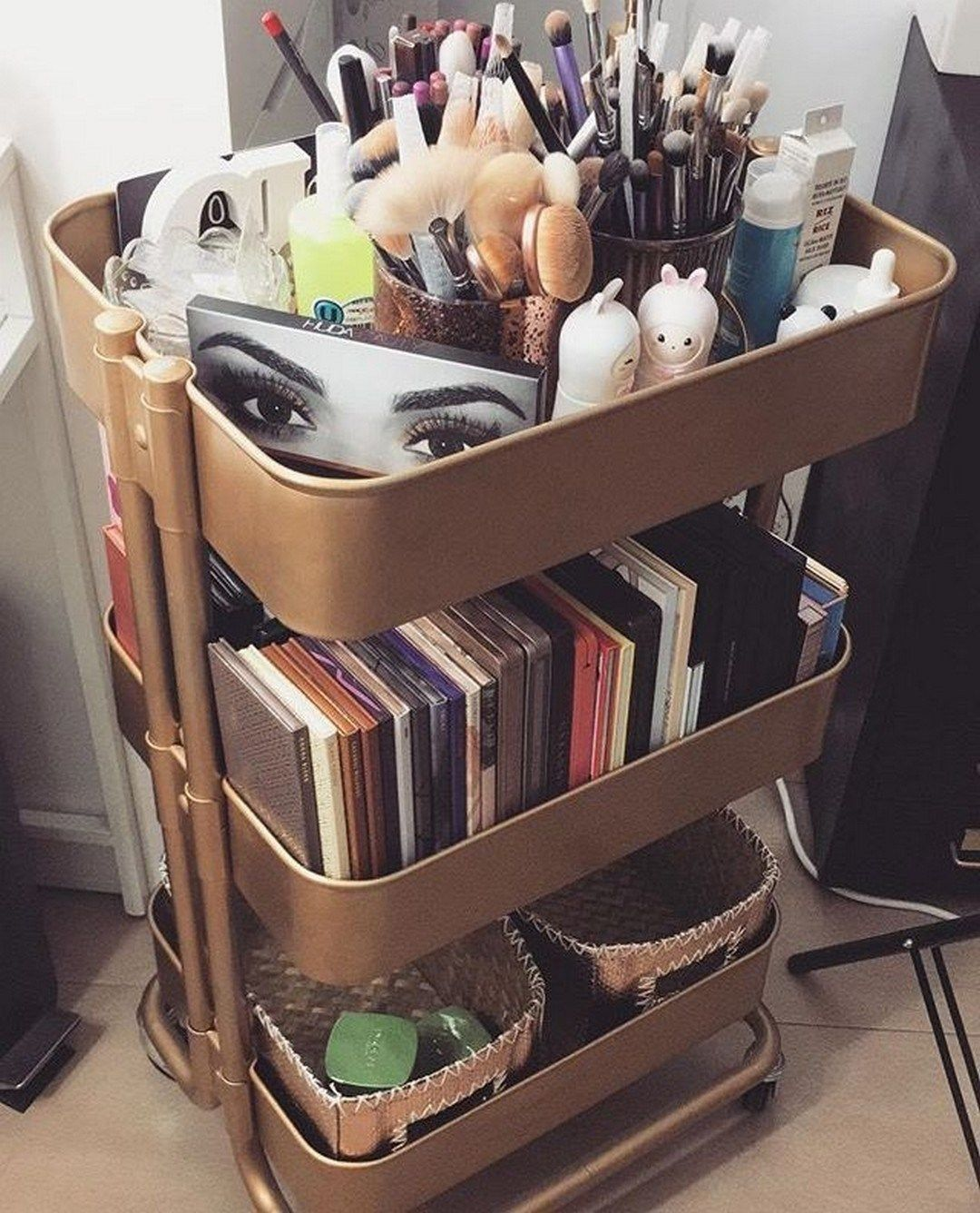 21 Simple Makeup Organizer Ideas For Proper Storage images