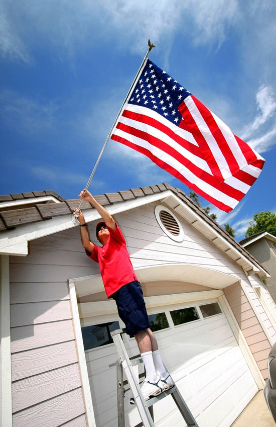 How To Properly Display The American Flag Displaying The American Flag New American Flag American Flag