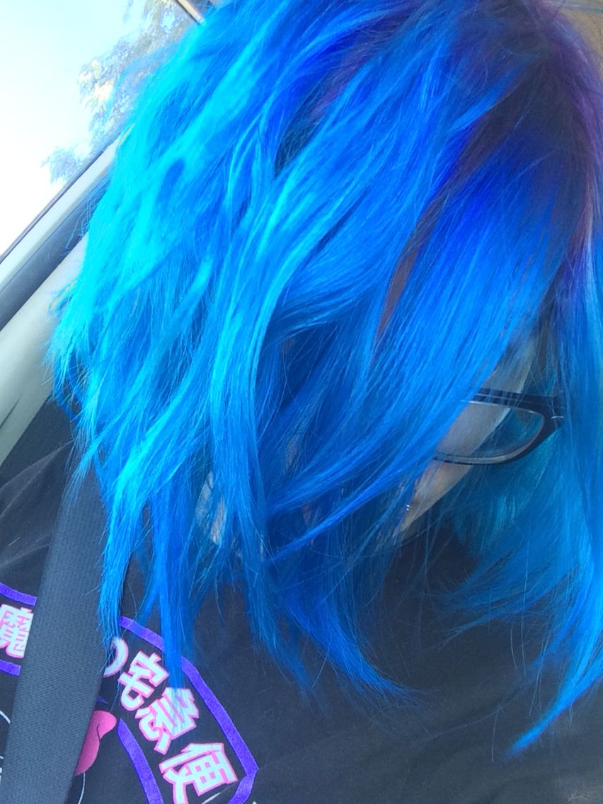Arctic fox hair dye #arcticefoxhairdye #bluehair #brighthair Poseidon #arcticfox