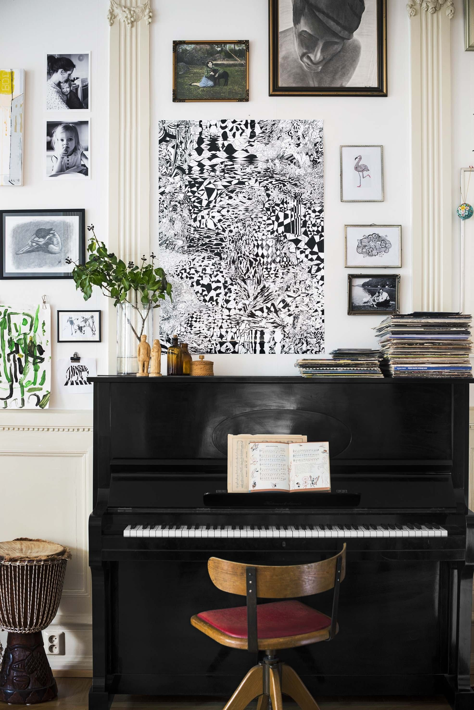 Decorating with a piano - 13 Ways To Decorate Around A Piano