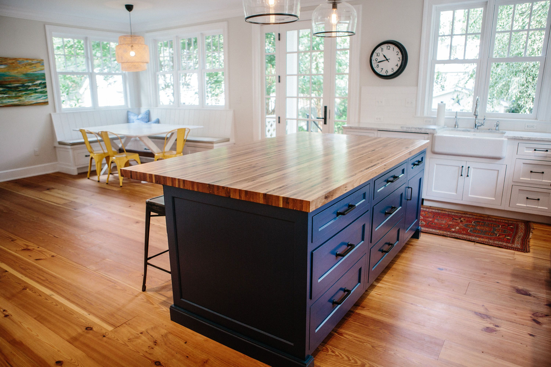 Cochran S Lumber Antique Heart Pine Floors And Antique Oak Milled Butcher Block Countertop Are The Stars Heart Pine Flooring Reclaimed Flooring Barnwood Floors