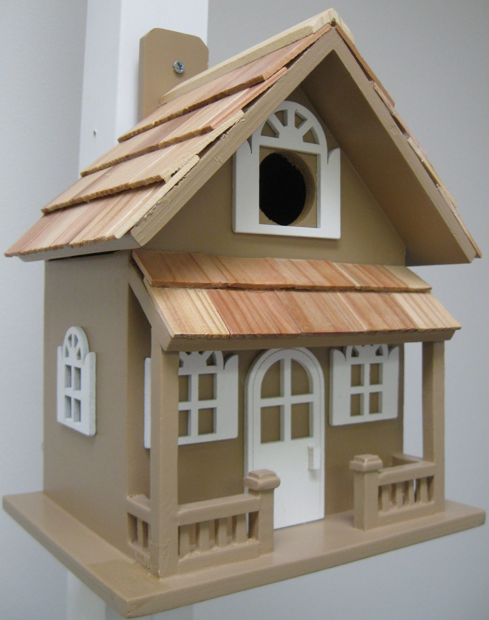 The country cottage birdhouse in different color for your for Different bird houses