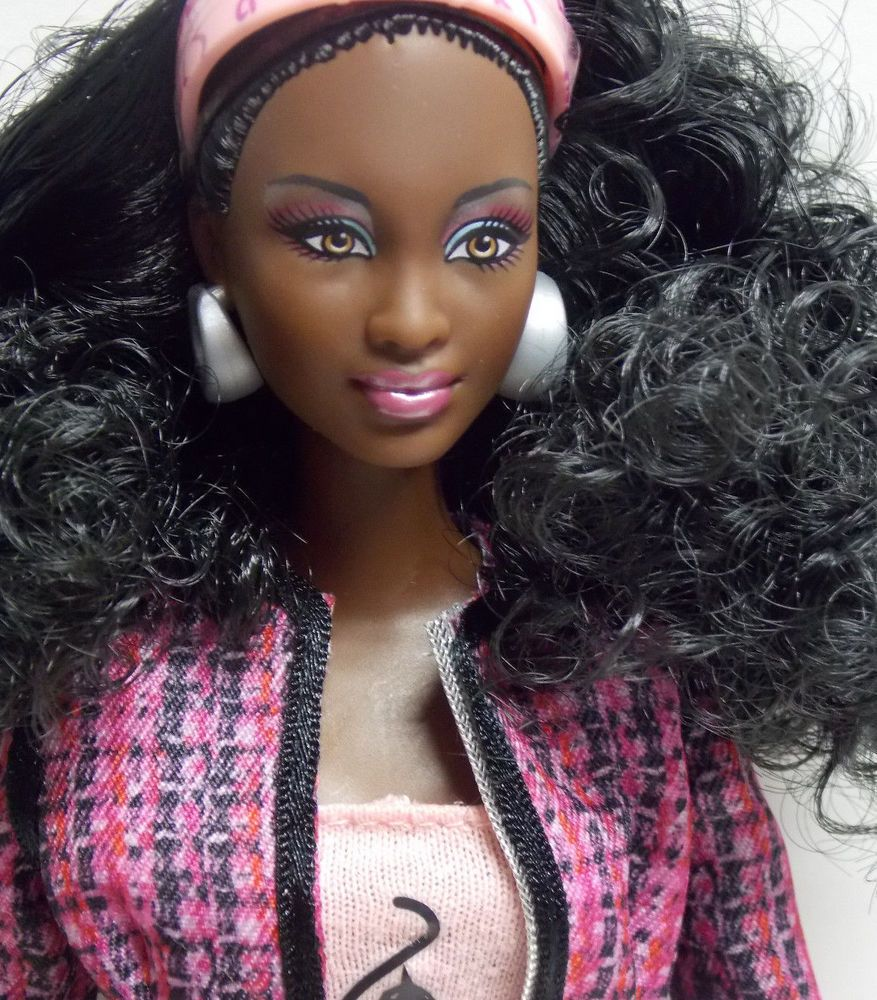 Barbie So In Style S.I.S. Baby Phat CHANDRA Wearing
