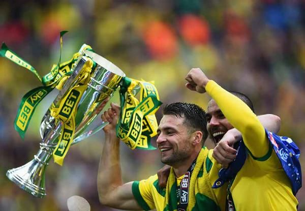 Norwich struck twice in the first 15 minutes to win the #PlayOffFinal and return to the #BPL > http://bit.ly/PoffF