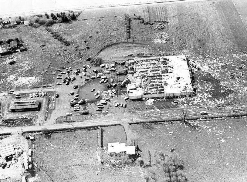 five people died when a tornado struck on april 5 1972. Black Bedroom Furniture Sets. Home Design Ideas