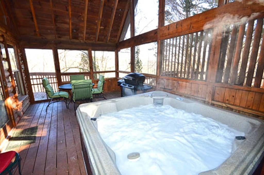 Hunters Lodge 1 Bedroom Vacation Cabin Rental In Pigeon Forge Tn Vacation Cabin Rentals Cabin Rentals Indoor Jacuzzi