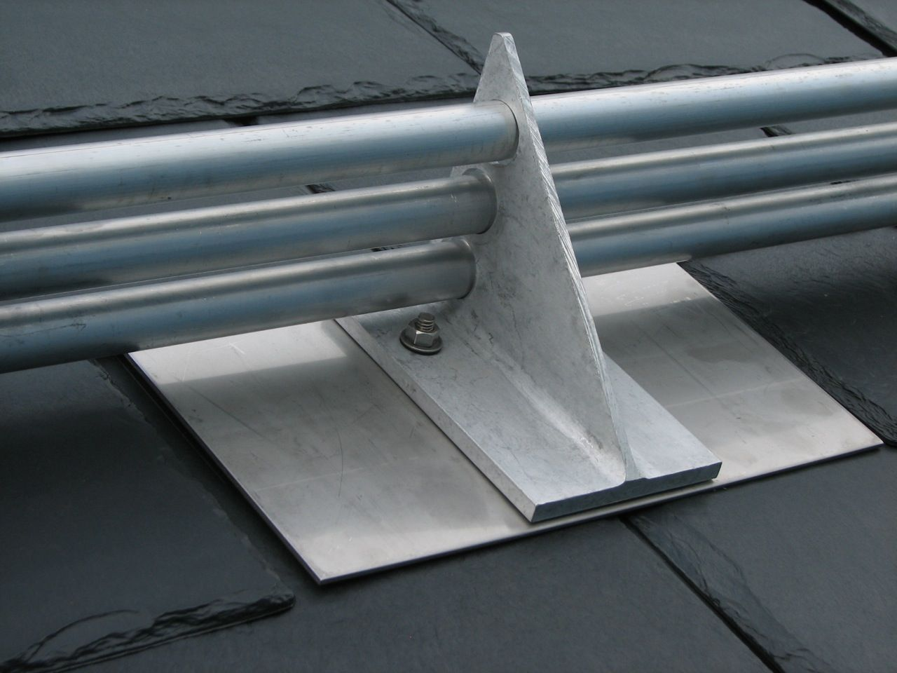 Pp125 Two Or Three Pipe Snow Guard Bracket And Base Plate