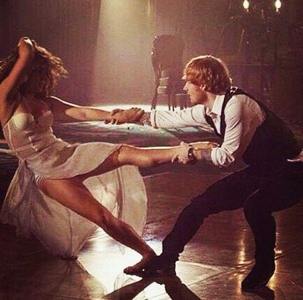 clipe de ed sheeran dançando | Thinking.jpg