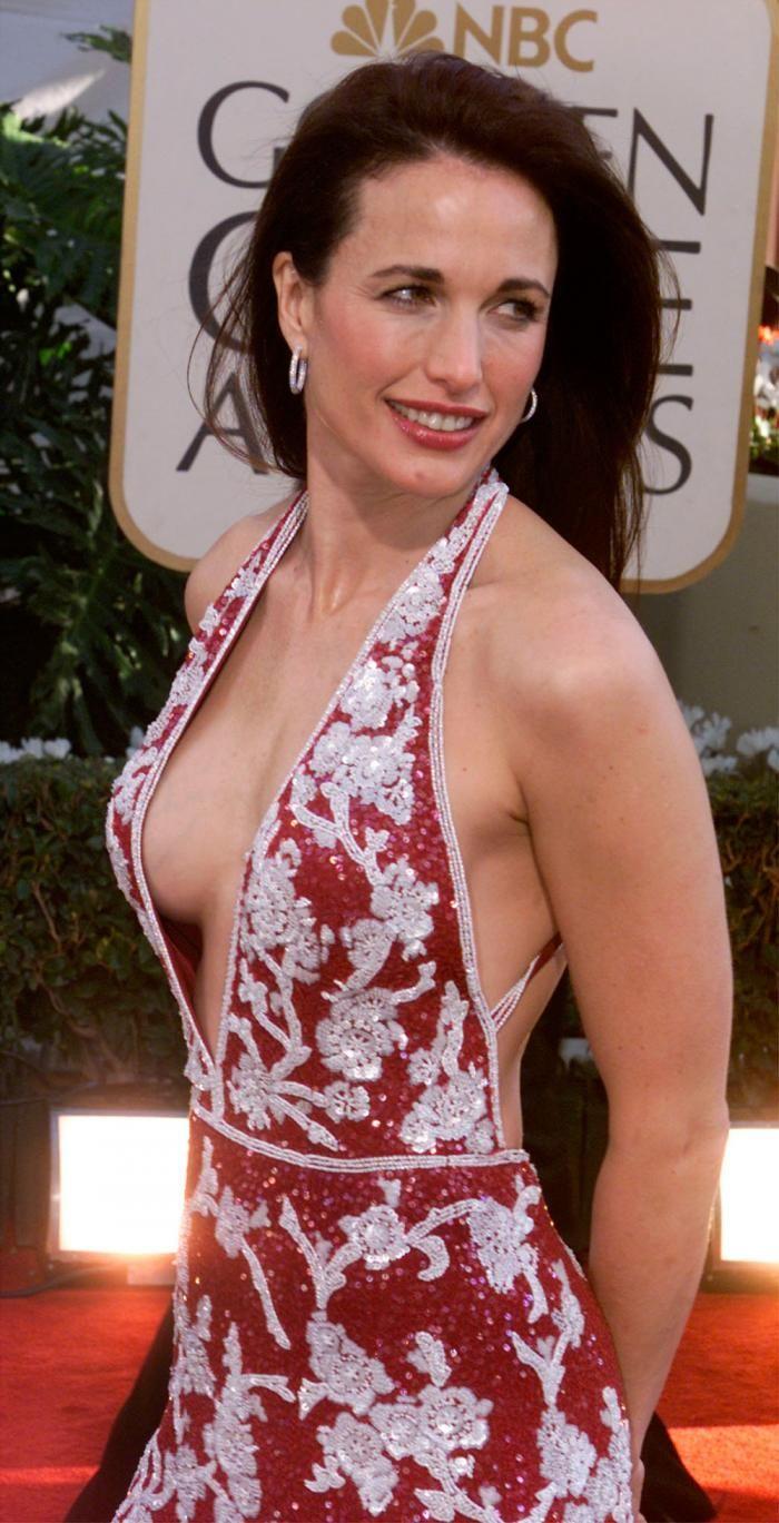 Amy Adams'ın kıvırcık saç ikonu 82