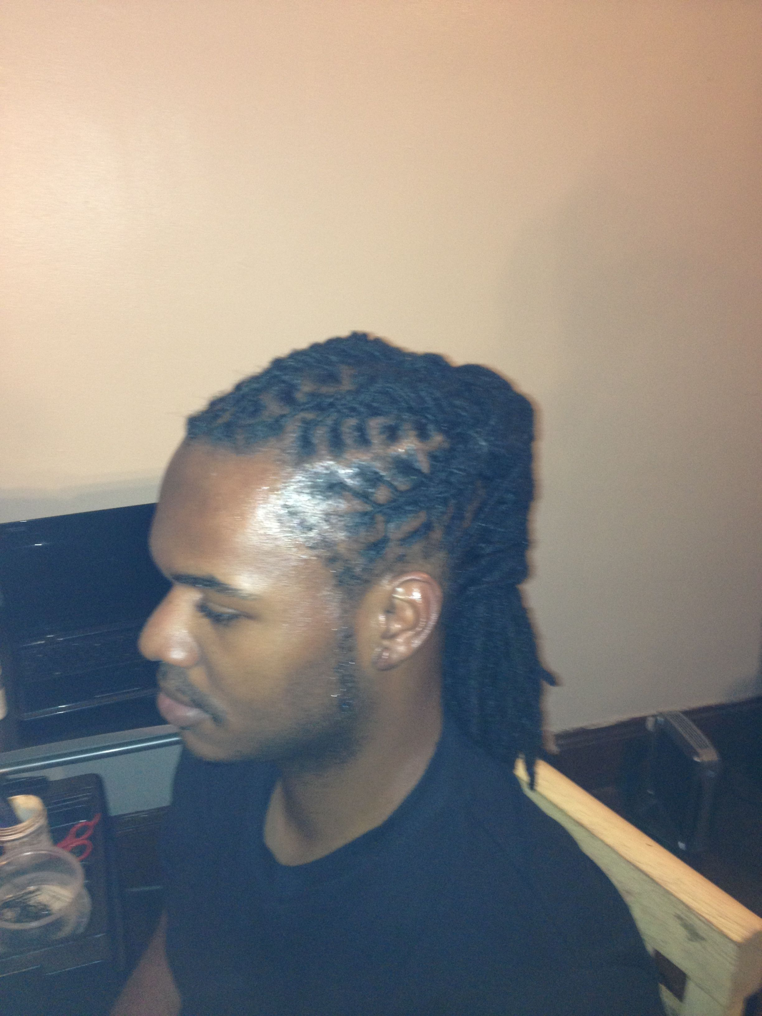 Men S Medium Length Dreads Styled Medium Hair Styles Dread Hairstyles For Men Medium Length Hair Styles