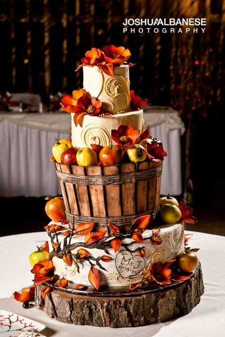 32 Orange   Yellow Fall Wedding Cakes with Maple Leaves   Pumpkins     creative autumn wedding cakes