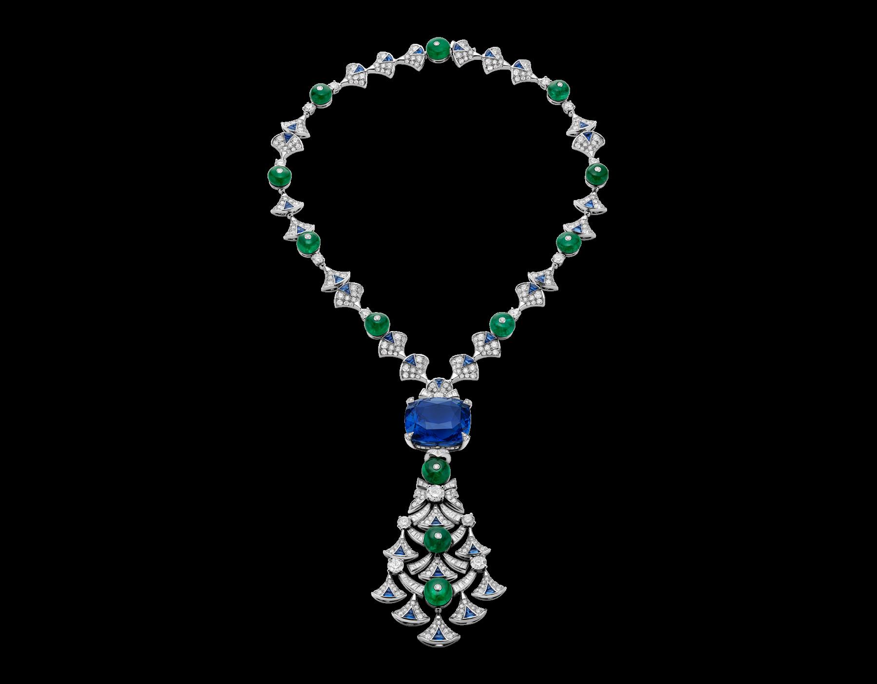 Colar de Bvlgari de brilhantes com esmeraldas e safiras. Safira central com  45,15 ct. 2a432fcf20