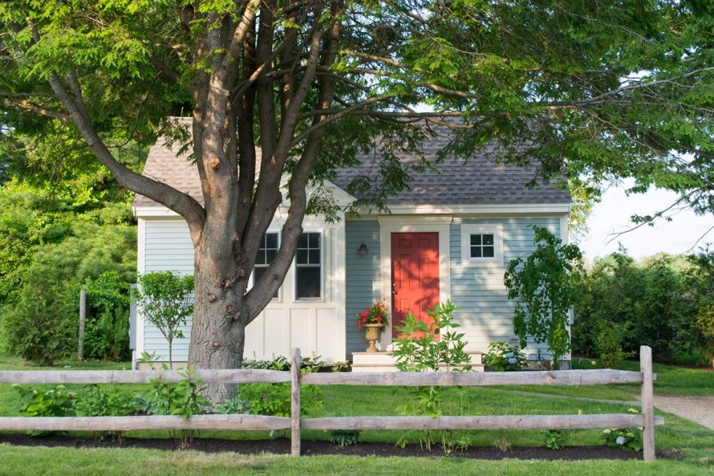 A cozy studio cabin for your romantic Kennebunk Maine getaway