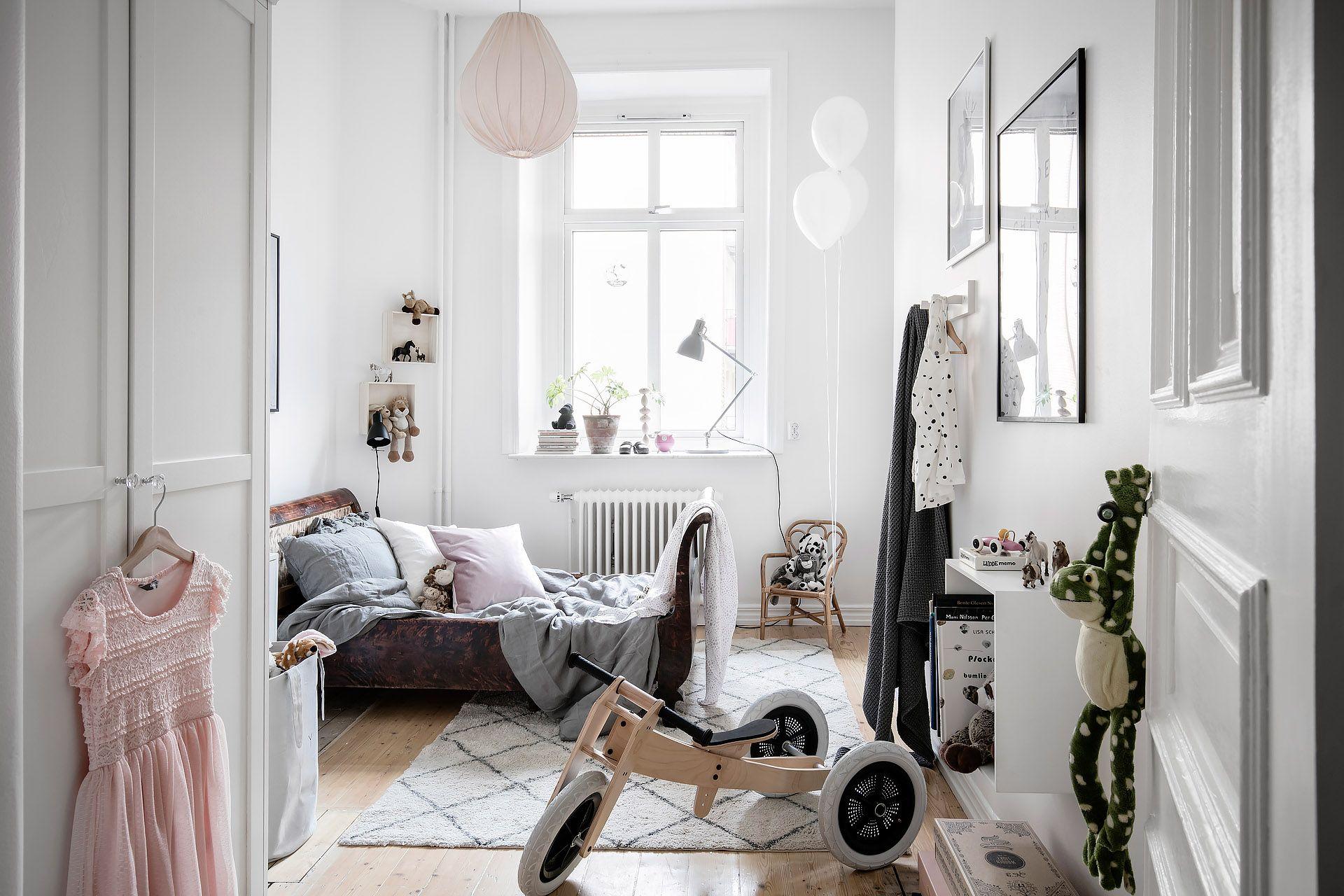 Stijlvolle Speeltafel Kinderkamer : Deze kinderkamer is super leuk ingericht met hele mooie meubels en