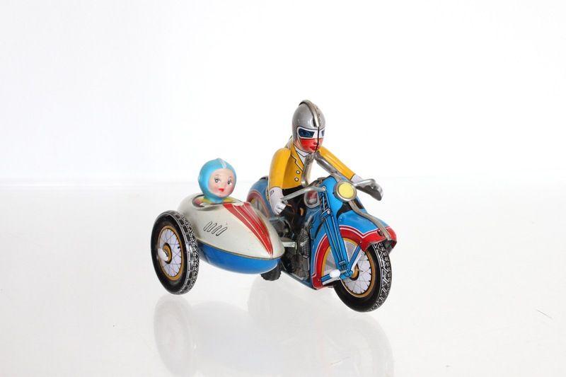 Einfach schön - dieses Motorrad mit Beiwagen. Viele liebevolle ...