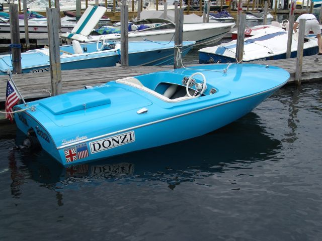 Donzi Baby 14  Baby Blue Designer: Walt Walters, Jim Wynne