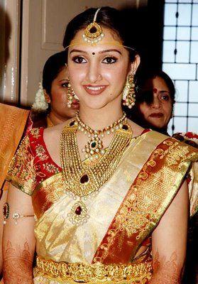 Soundarya Rajinikanth Wedding Green Saree Image