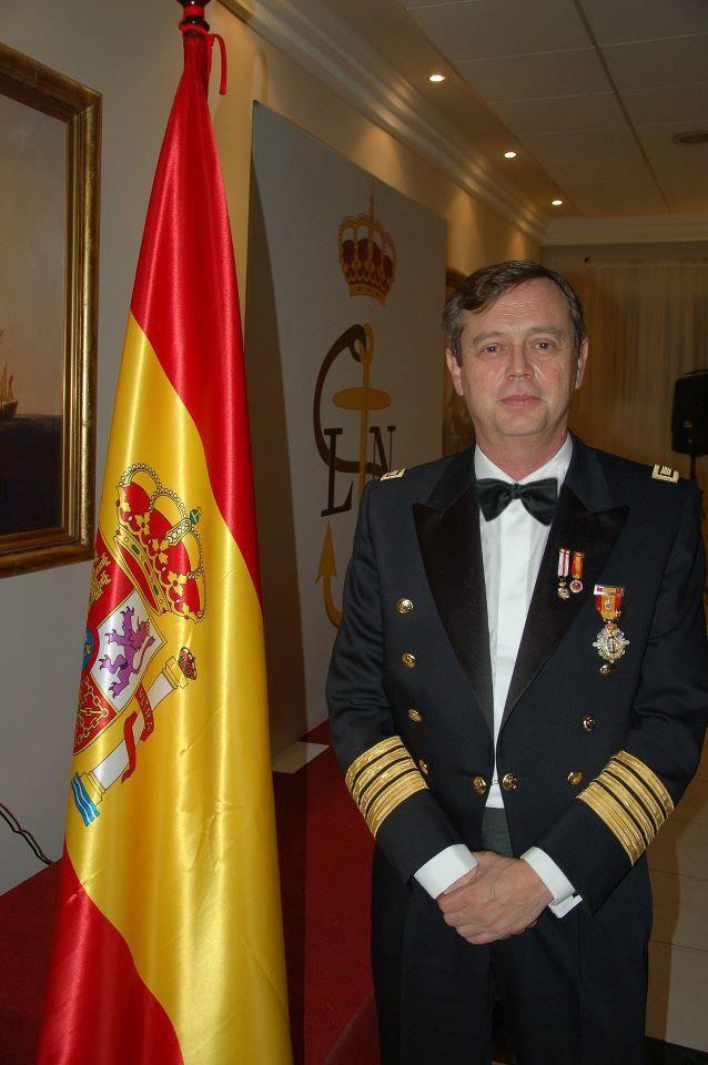 Uniforme del capitán Práctico del puerto de Barcelona Don Tomás Navarro 94705b8b9db