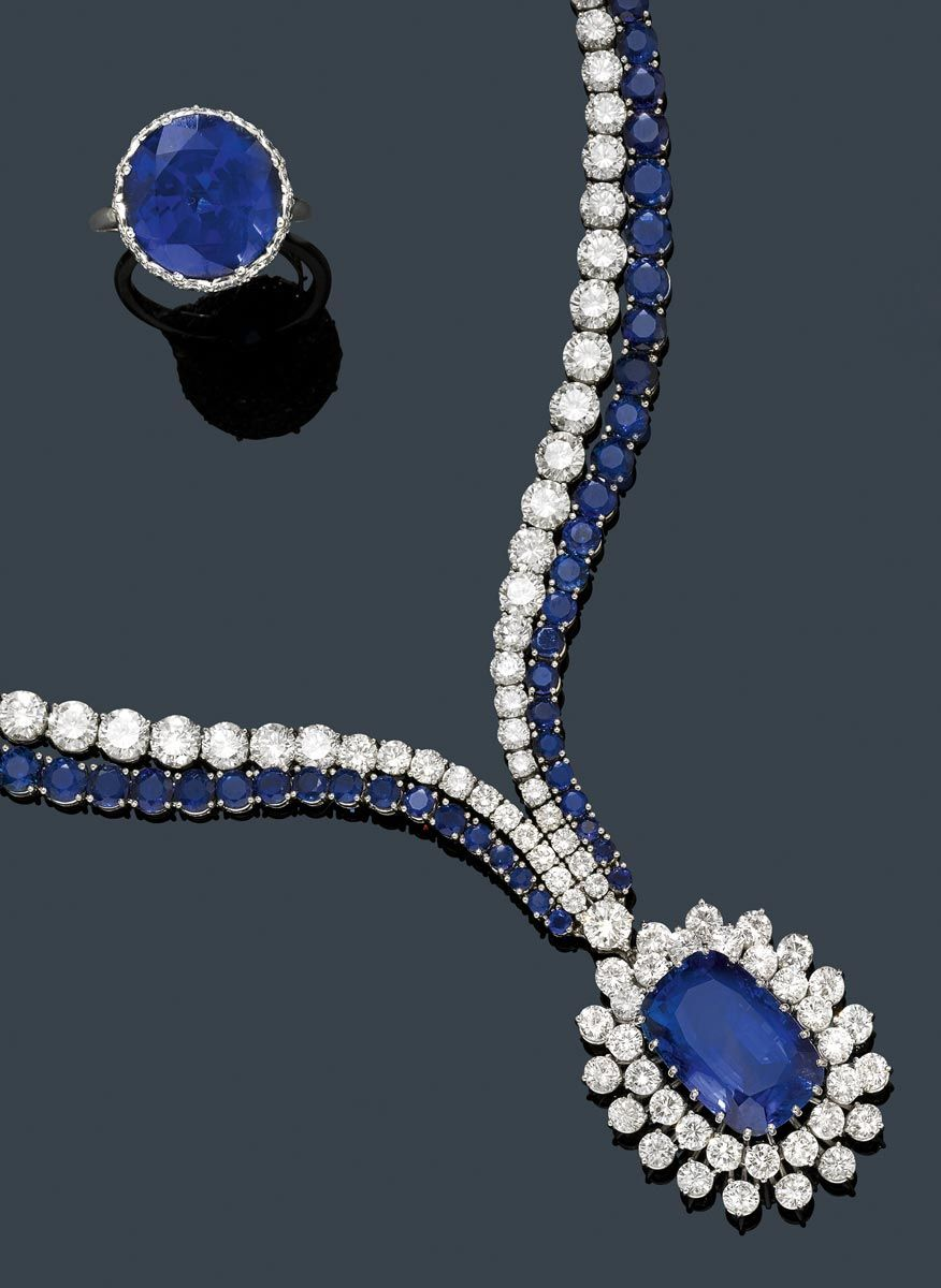 NECKLACE WITH SAPPHIRES AND DIAMONDS,  Hemmerle, ca. 1950. 124 diamonds ca. 18.00 ct. 62 sapphires ca. 8.00 ct.