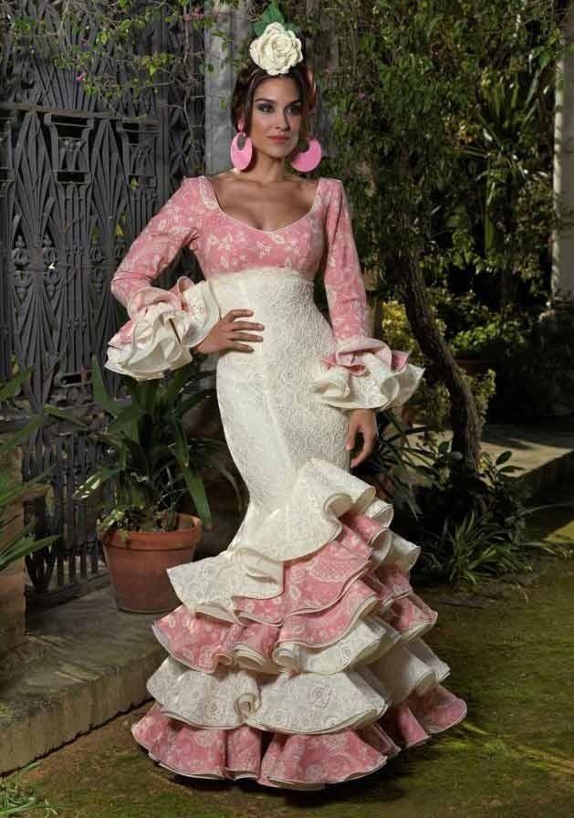 Sevillanas or Flamenco costume. Robe EspagnolEspagneMariage