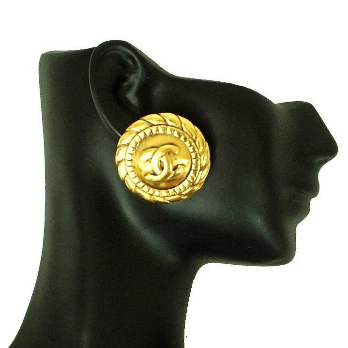 VINTAGE - CHANEL Clip On Earrings - Iconic CC Logo Box Authentic #Chanel #Earrings