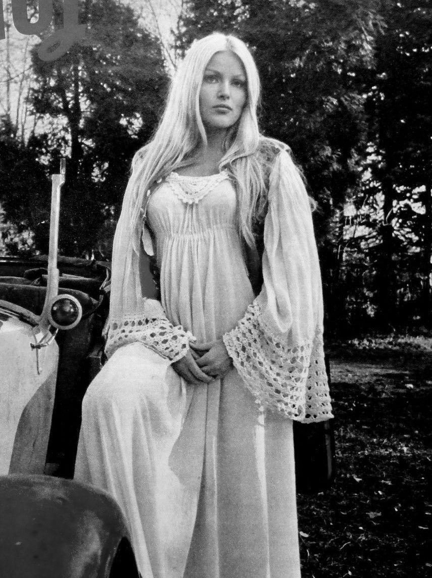 Olga Schoberova Nude Photos 87