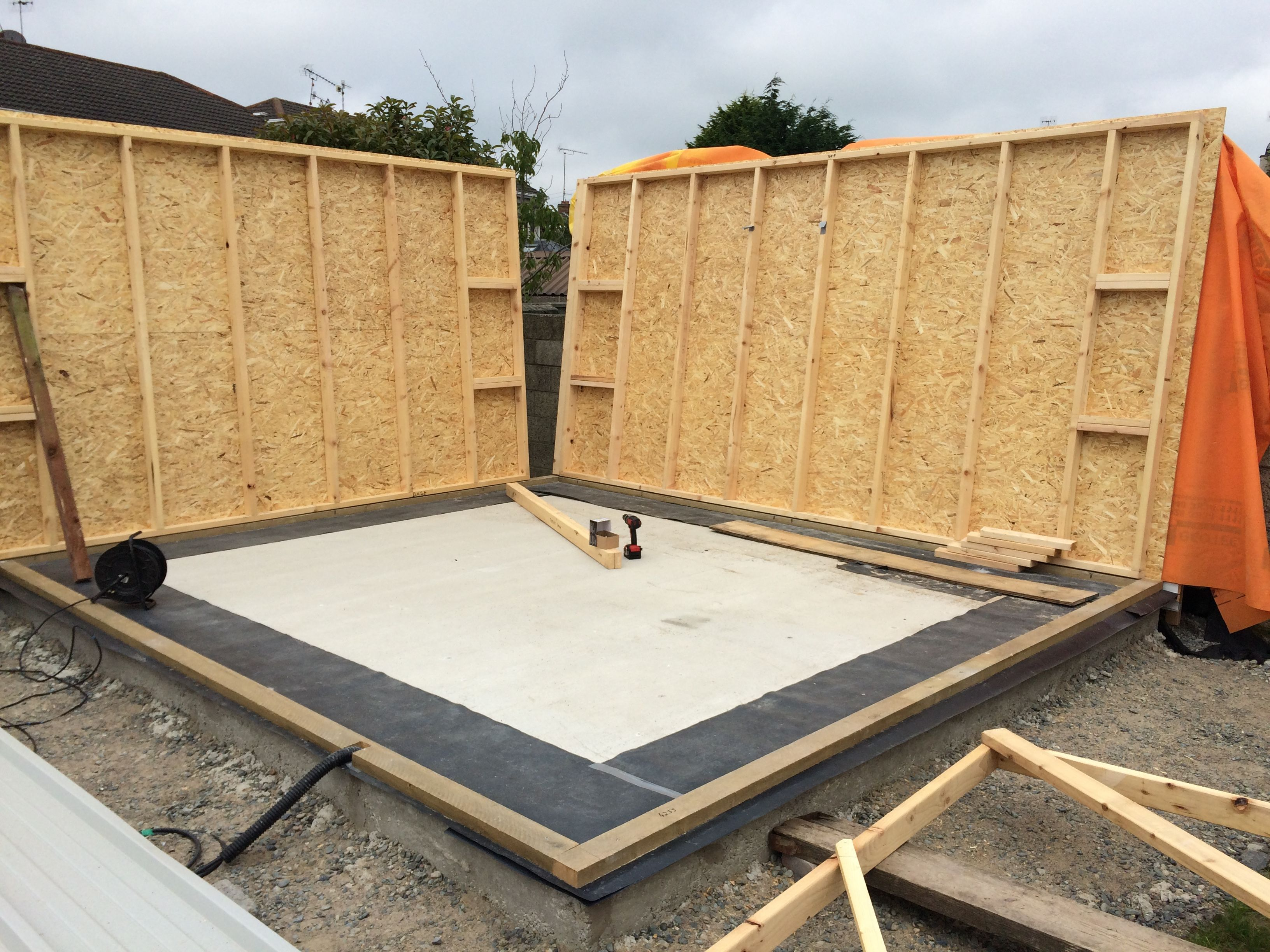 Timber Stud Walls 4 Quot X2 Quot Lined With 11mm Osb Prepared For