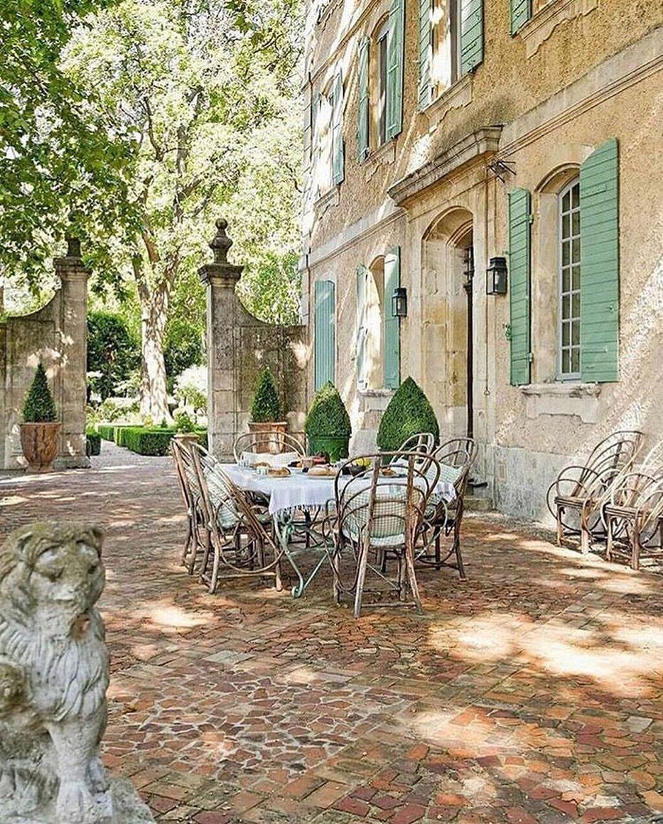 Veranda Magazine On Instagram Dinner Is Served Regram Lavenderhillinteriors French Country House French Country Style French Chateau