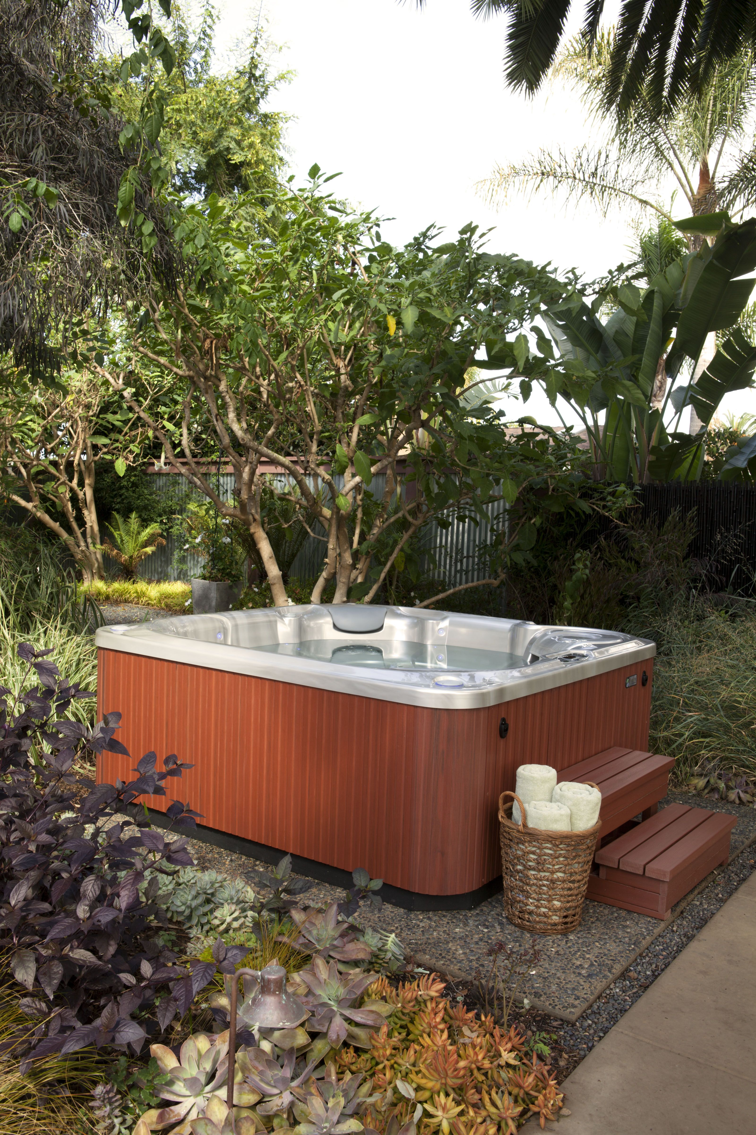 spring limelight bolt 4 person tub gallery premium