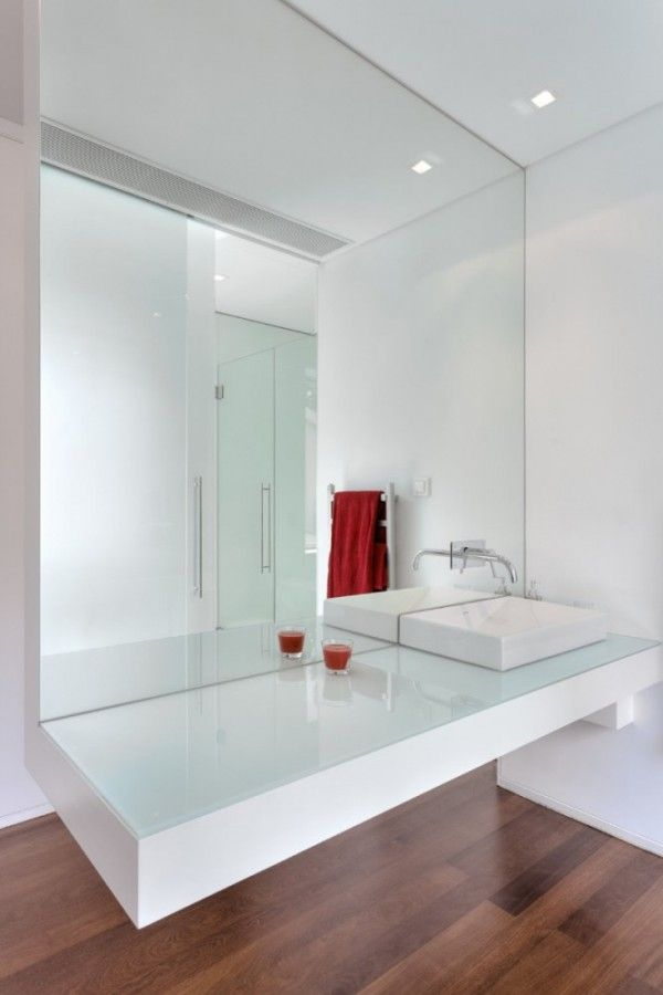 Minimalist Cube House by ARQX arquitectos