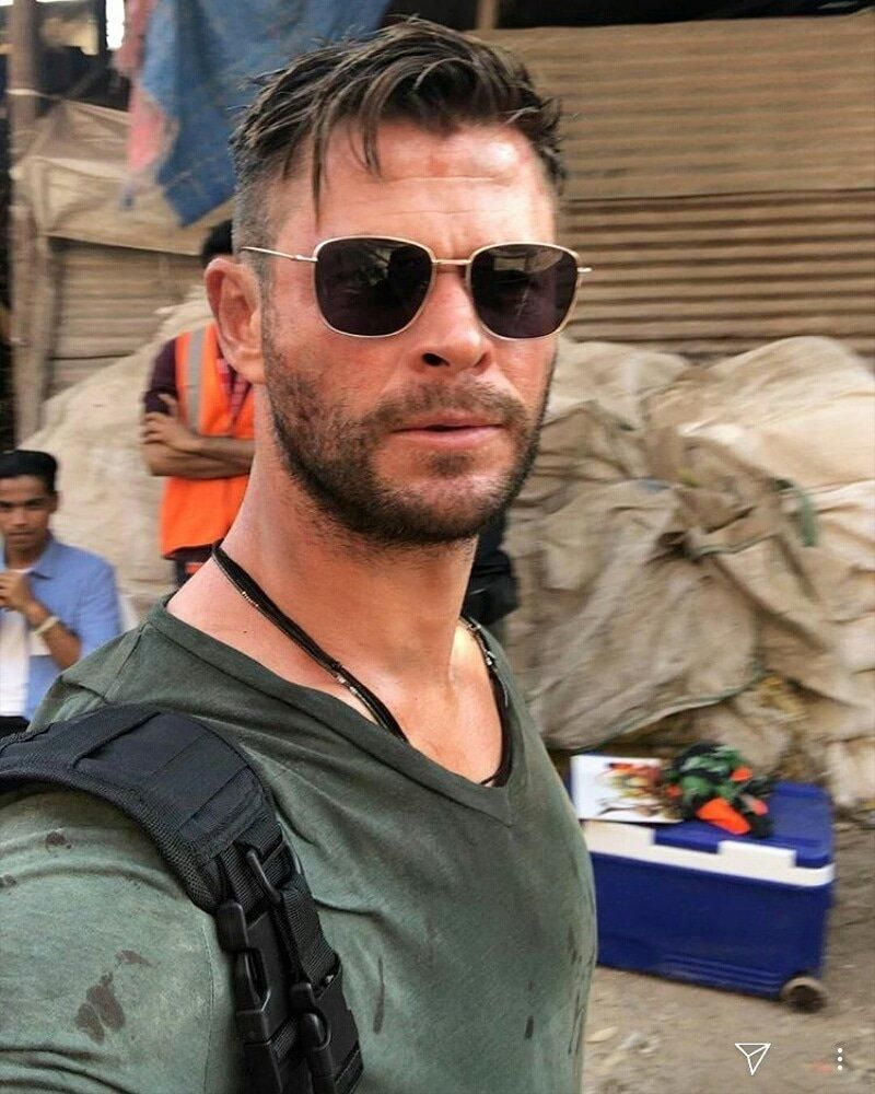 Chris In India Filming Chris Hemsworth Hair Mens Haircuts Short Mens Hairstyles Short