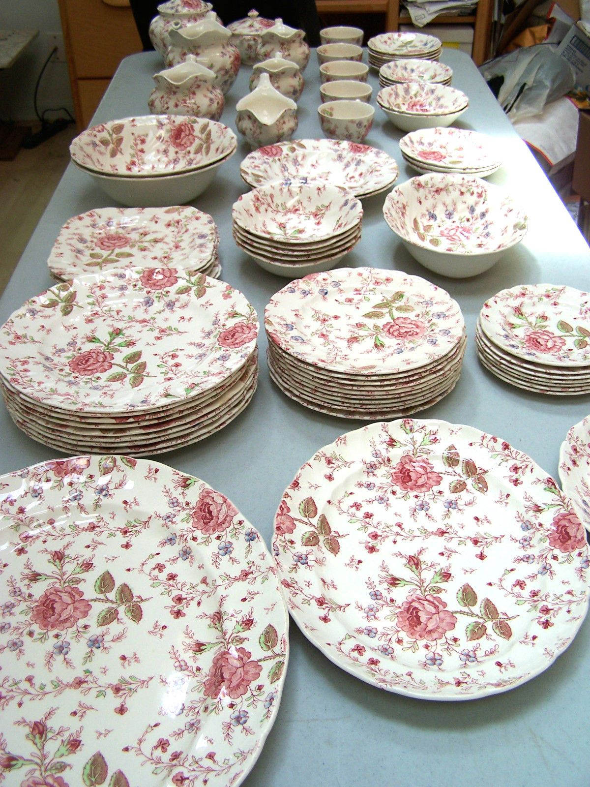 Johnson Brothers China Rose Chintz \u003c3 \u003c3 ... : chintz dinnerware - pezcame.com